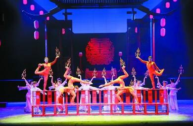 《南京日报》:南京文化艺术节闭幕六十多次掌声送给杂技《渡江侦察记》