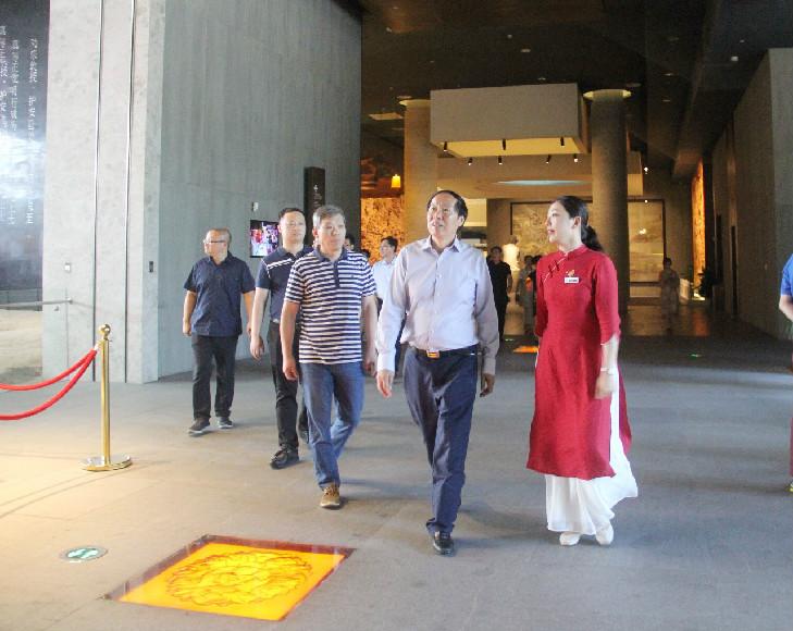 国家文物局局长刘玉珠一行调研大报恩寺遗址博物馆