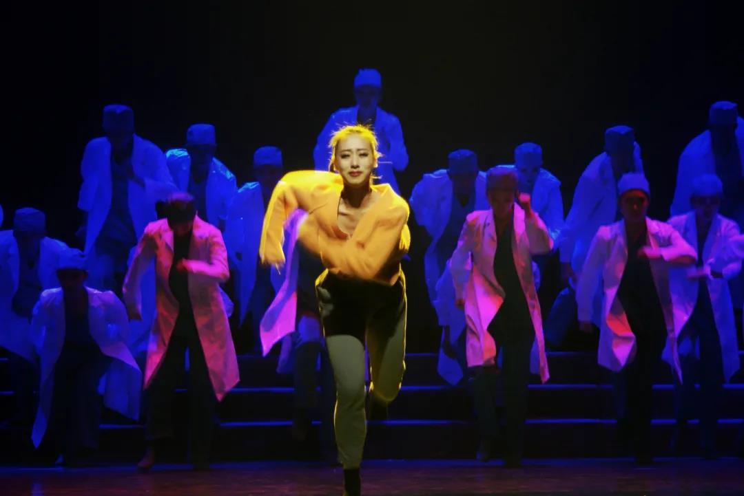 美好战疫 | 大型抗疫歌舞晚会《大爱不屈》完美落幕!